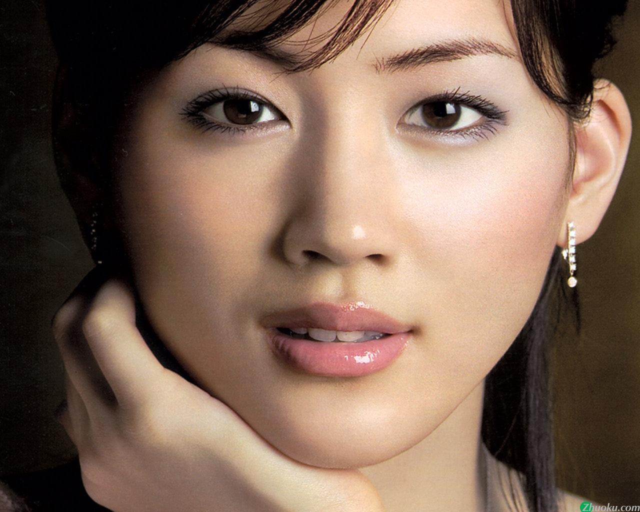 驚異的に美人な綾瀬はるかのポイントでもある前髪を真似して