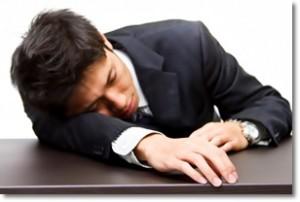 寝ている時にビクッとする!その現象の正体と起こりやすい4つのケース